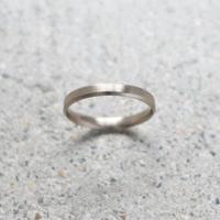 Marri-edges ring   K18WG