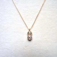 Ball necklace / pearl & diamond