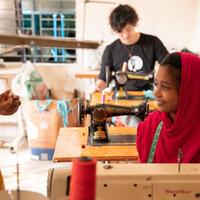 学校を建てよう‼︎  ルンギスカート