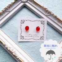 小さな宝石ピアス ルビーカラー«翠雨に触れ»