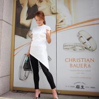 デザインホワイトTシャツ