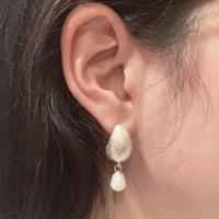 Oval & Pearl pierce