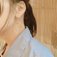 Gold Circle stone pierce