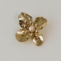 Metal Flower pierce