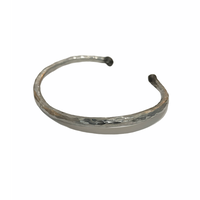 iolom:io-02-025 Tsuchime Hammered Bangle