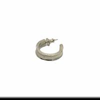 iolom:io-04-051 earring groove depression