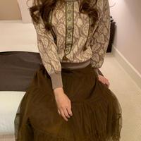 Gobelin antique knit sweater