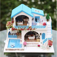 iiE CREATE ドールハウス 1:24 クラフトキット 手作り DIY  ミニチュア LED付  青い家 プール