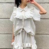 white box blouse