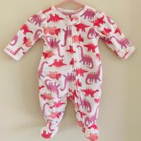 〈新生児サイズ〉恐竜柄のフリース
