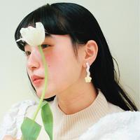 Flower Earring { cream }