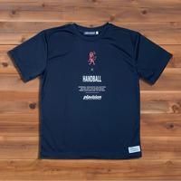 バーチカルライオンTシャツ(ブラック)