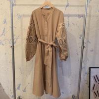 SP140137 ショルダー刺繍ドレス