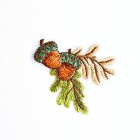 アイロンワッペン【どんぐり 木の実】アメリカ 刺繍