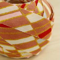 【幅25mm】ピンクベージュに赤・薄桃色・水色の変わり格子模様2m(2102047)