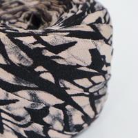 黒に桜色抽象模様・縮緬2m(2009049)