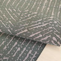 【はぎれ】利休鼠色(灰緑色)の幾何学模様小紋・縮緬50㎝(2008021‐1)