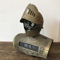 【古道具76】レトロヴィンテージ 騎士置物 パタパタ時計付 ジャンク
