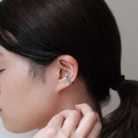 ear cuff/ K10WhiteGold - ミスティックトパーズ(ブルー)