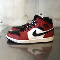 AIR JORDAN 1 MID ''CHICAGO BLACK TOE''