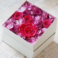 プリザーブドダイヤモンドローズとアジサイのギフトボックス【rose pink】