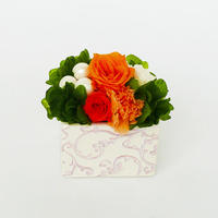 プリザーブドローズのアレンジメント /白陶器【golden orange】