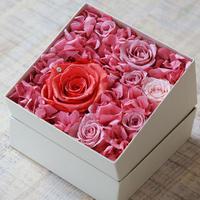 プリザーブドダイヤモンドローズとアジサイのギフトボックス【coral pink】