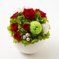 プリザーブドローズとマムのアレンジメント/ラウンド【classic red】