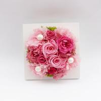 プリザーブドローズのスタンドフレームアレンジメント【Pompadour pink】