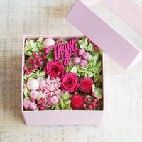 【早得対象商品】【プリザーブド】MOTHER'S DAYスクエアBOX 【S】Pink