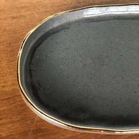 ucaco ceramicsさん/金彩プレート(グレー・楕円)