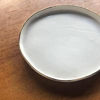 ucaco ceramicsさん/金彩プレート(白・大)