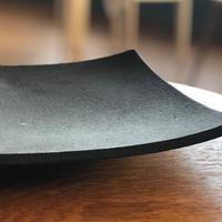 橋本忍さん/錆黒平角鉢