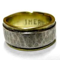 シルバー&真鍮リング飽きの来ないデザインピンキーにも最適!幅の細いタイプ