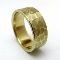 使いやすいシンプルな鎚目リング真鍮製/幅の細いタイプ