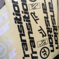 Decal Kit  (Type: Frame / Headbadge, Color: Black / White)