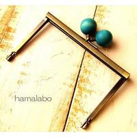 【HA-1498】12cm浮き足口金/ちょっと大きな紺色の木玉(アンティークゴールド)