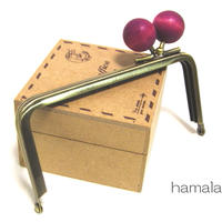 【HA-1209】<横ひねり>12cm/角型の口金(ちょっと大きな紫色の木玉×アンティーク)