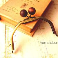 【HA-1606】台形型の口金13cm/(ちょっと大きな茶色の木玉×アンティークゴールド)