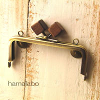 【HA-165】10cm/角型(茶色の木キューブ×アンティークゴールド)・カン付き