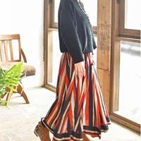 タッセルフレアスカート
