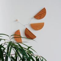Madlen Wood / KINETIC LEVI