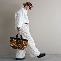 完売town mini giraffe logotip