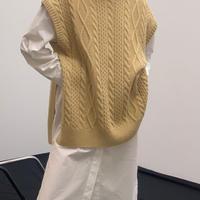Cable overfit vest