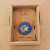 刺繍ボタンブローチ/ブルー