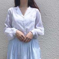 ホワイト刺繍スカラップブラウス