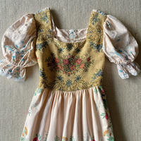 Remake dress with vintage fabric  goblin top