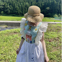 Remake romantic apron dress with vintage tablecloth