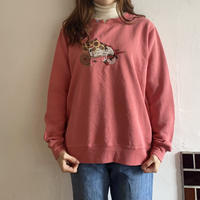 Flower embroidery pink sweatshirt