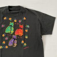 Single stitch kitties t-shirt
